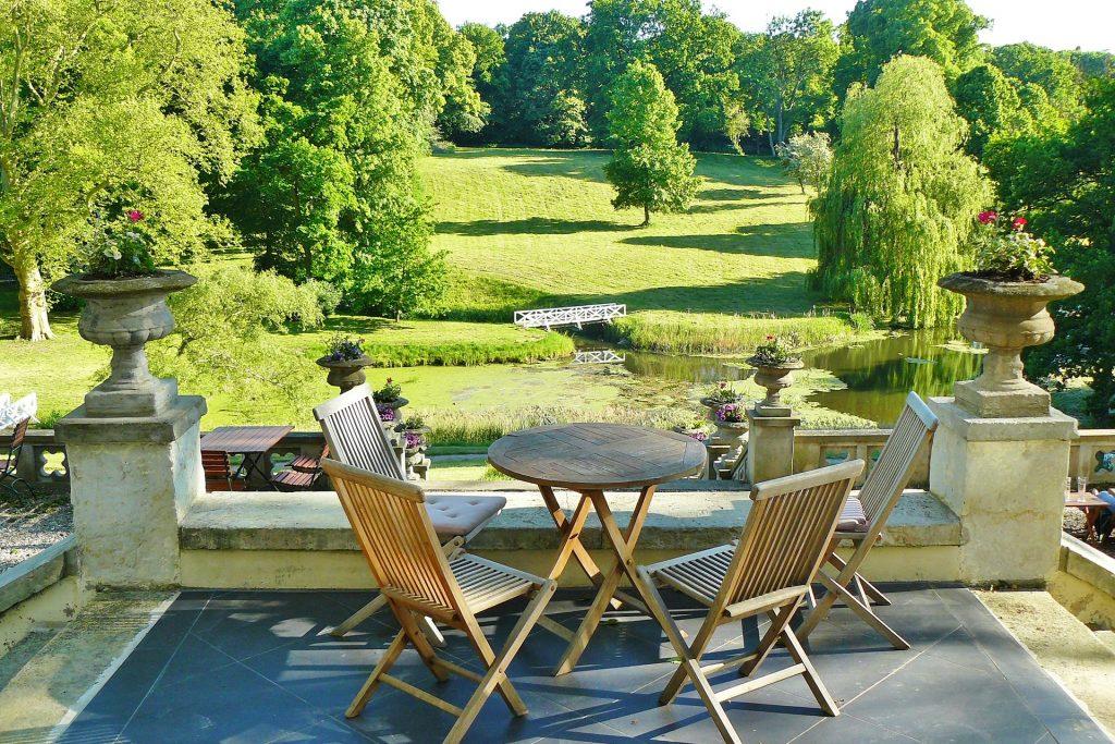 conclusion-mesas-sillas-jardin