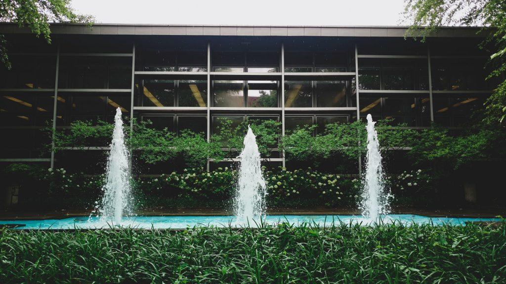 fuentes-agua-piscina